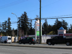 Colwood, retail, traffic