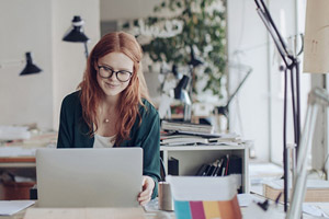 woman, working at desk, gig economy