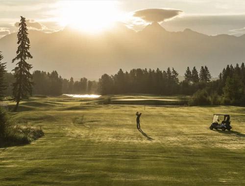 golfing, St Eugene Golf Resort and Casino