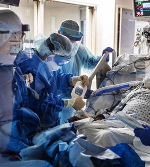 doctors and nurses, ICU, covid